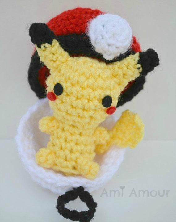 Pikachu And Pokeball Pod Pattern Ami Amour