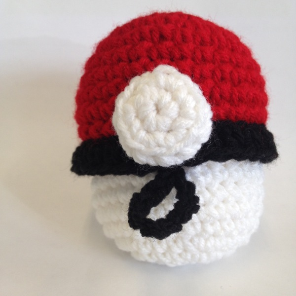 Pikachu and Pokeball Pod pattern - Ami Amour