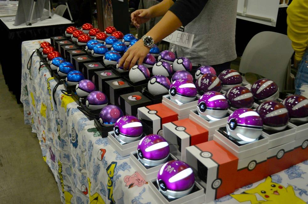 pokeballphonecharger