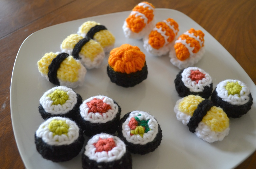 Plate full of Sushi Amigurumi - Free Crochet Pattern