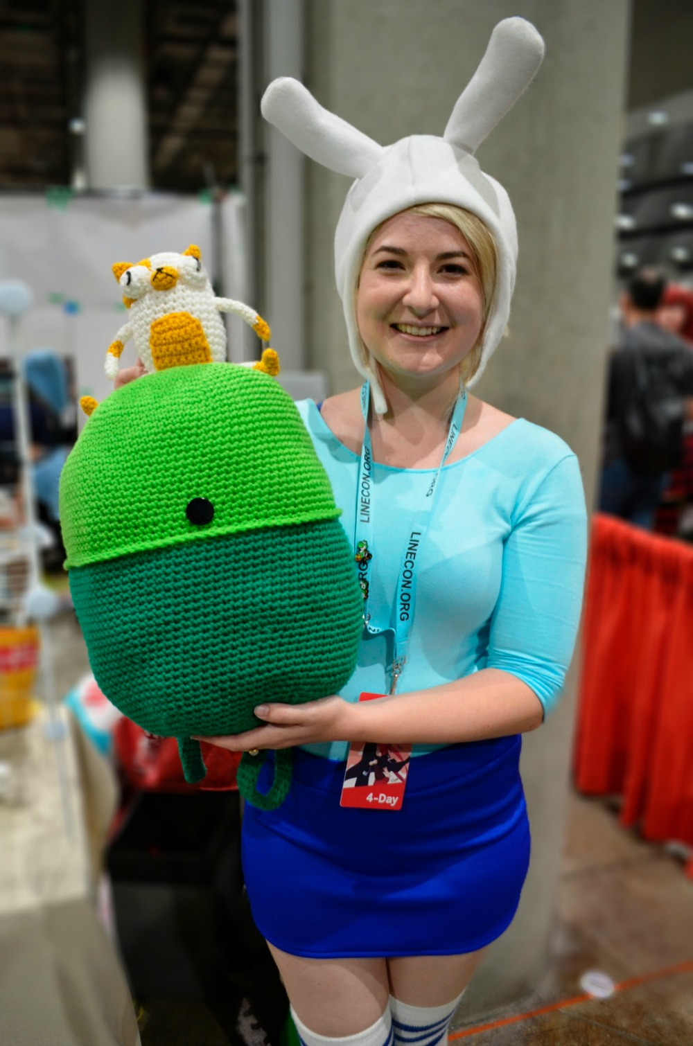 Fiona the Human Cosplay with crocheted Backpack and Cake the Cat Adventure Time