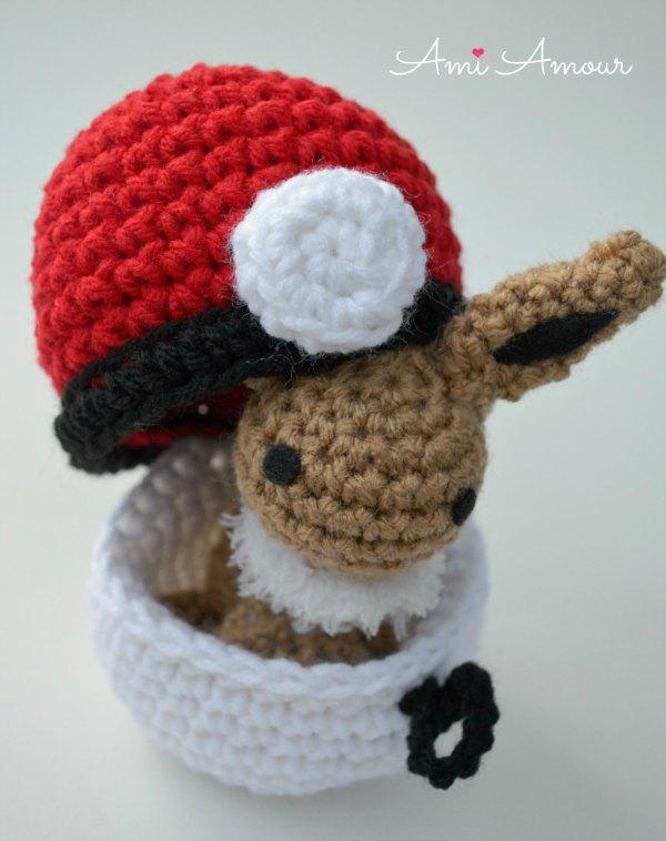 Eevee Amigurumi with Crochet Pokeball