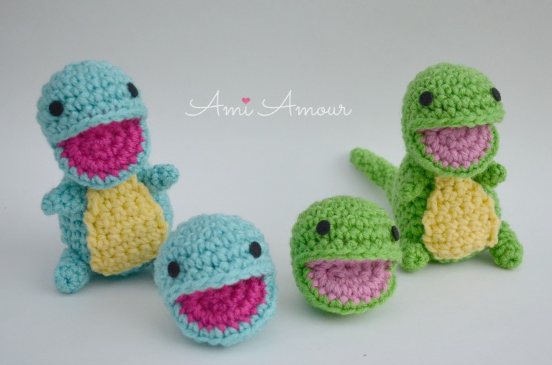 Free Dinosaur Amigurumi Crochet Pattern - Daisy and Storm | 530x800