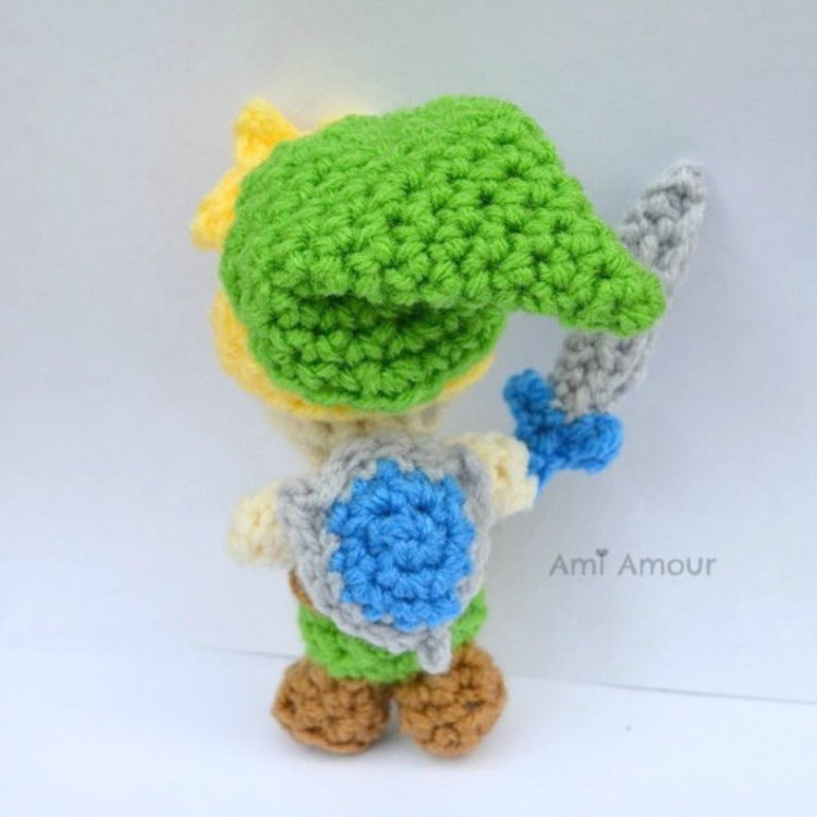 Amigurumi Link and Hyrule Shield