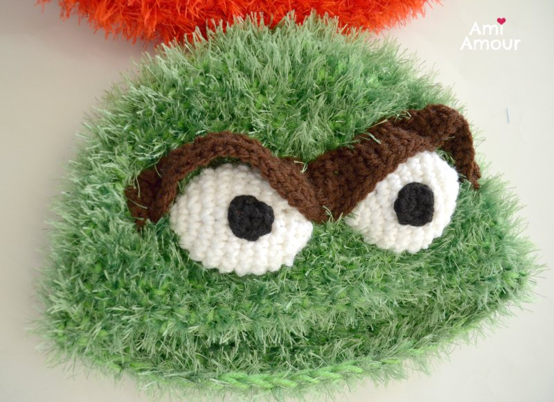 Oscar Crochet Hat Eyelash Yarn