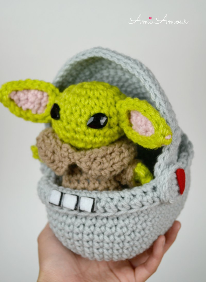 Cute Yoda in Space Pod