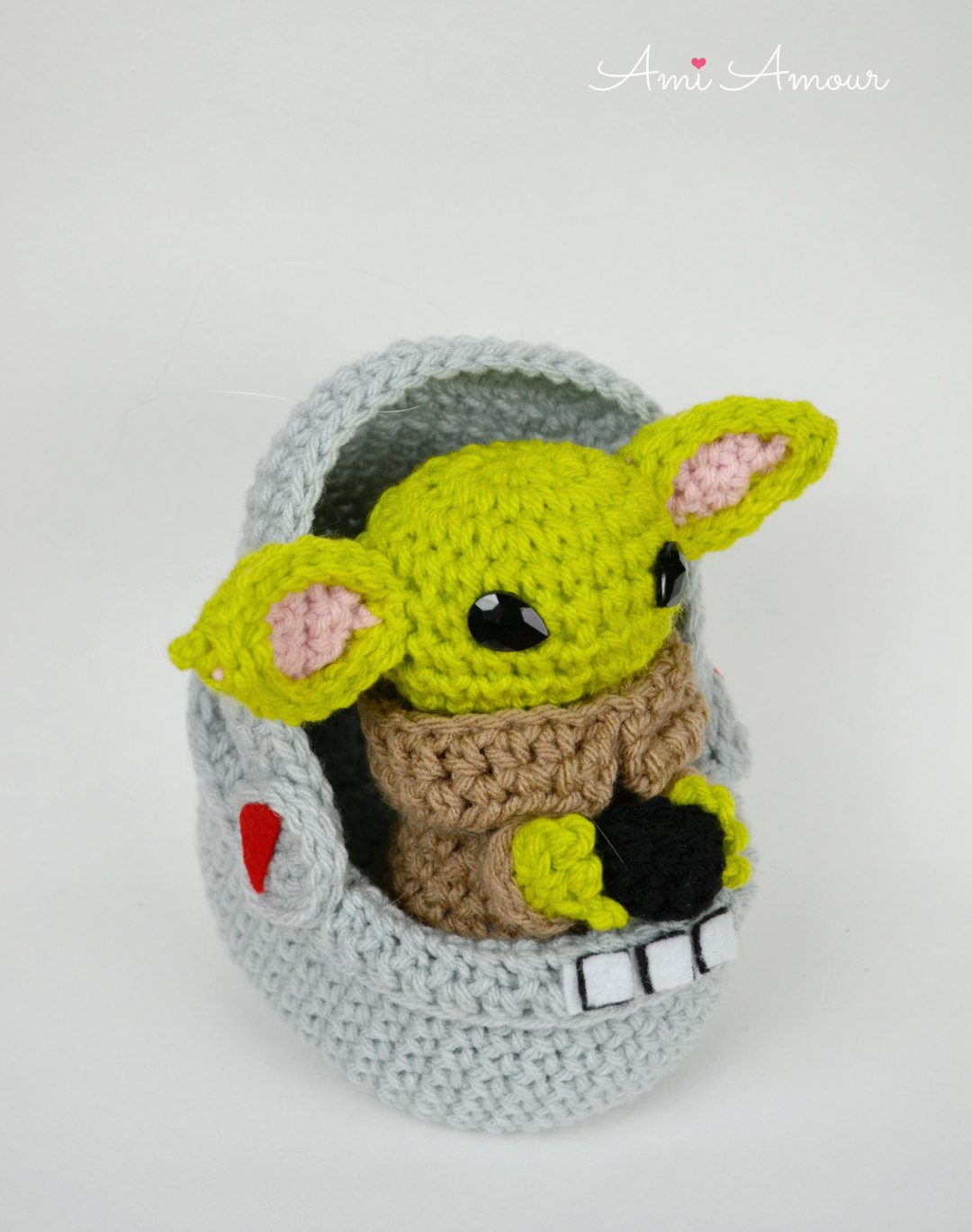 Crochet Yoda Sipping Soup in Pod