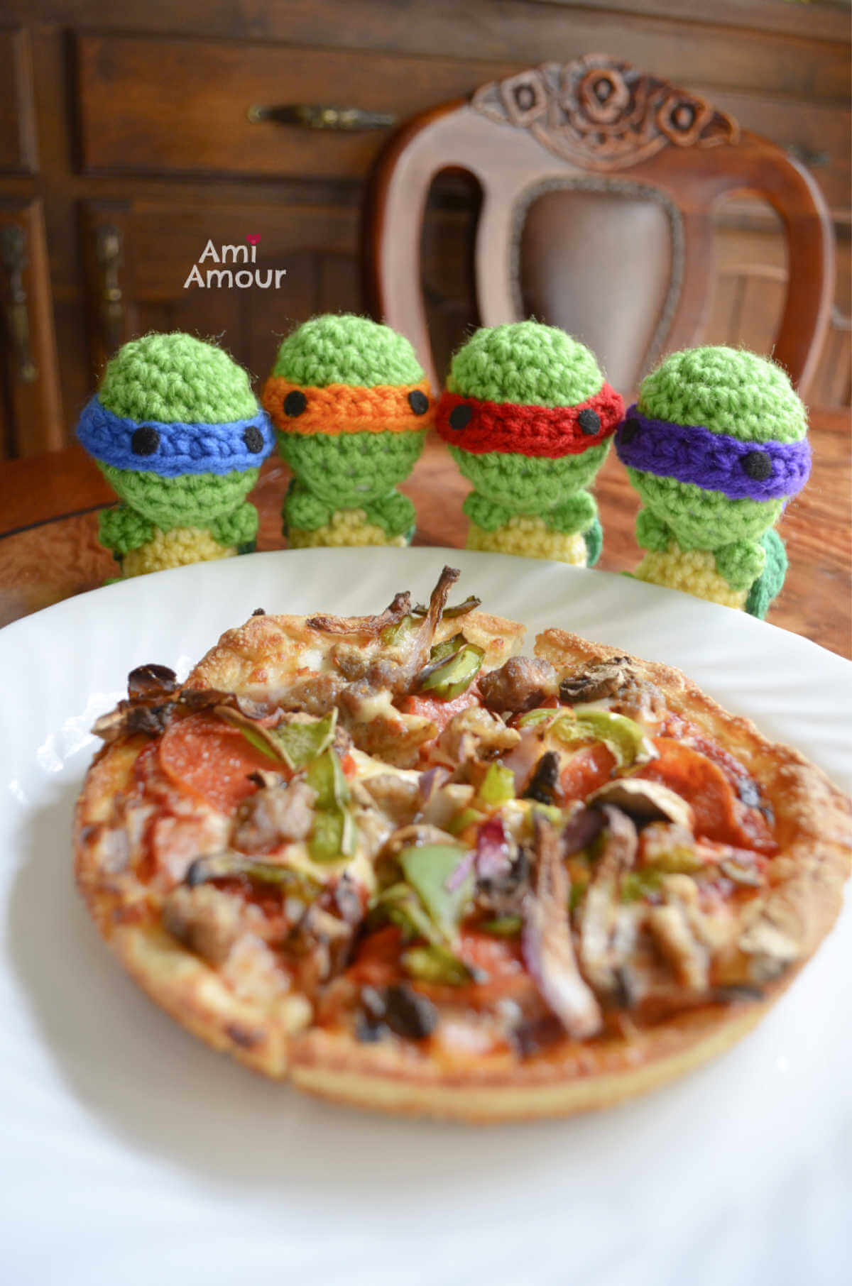 Crochet Turtles with Pizza