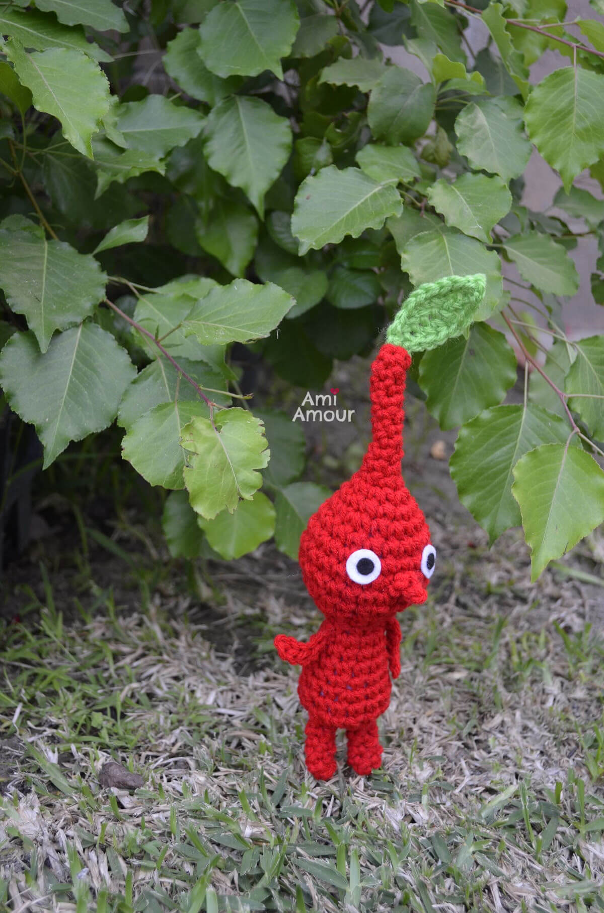 Red Crochet Pikmin with Leaf