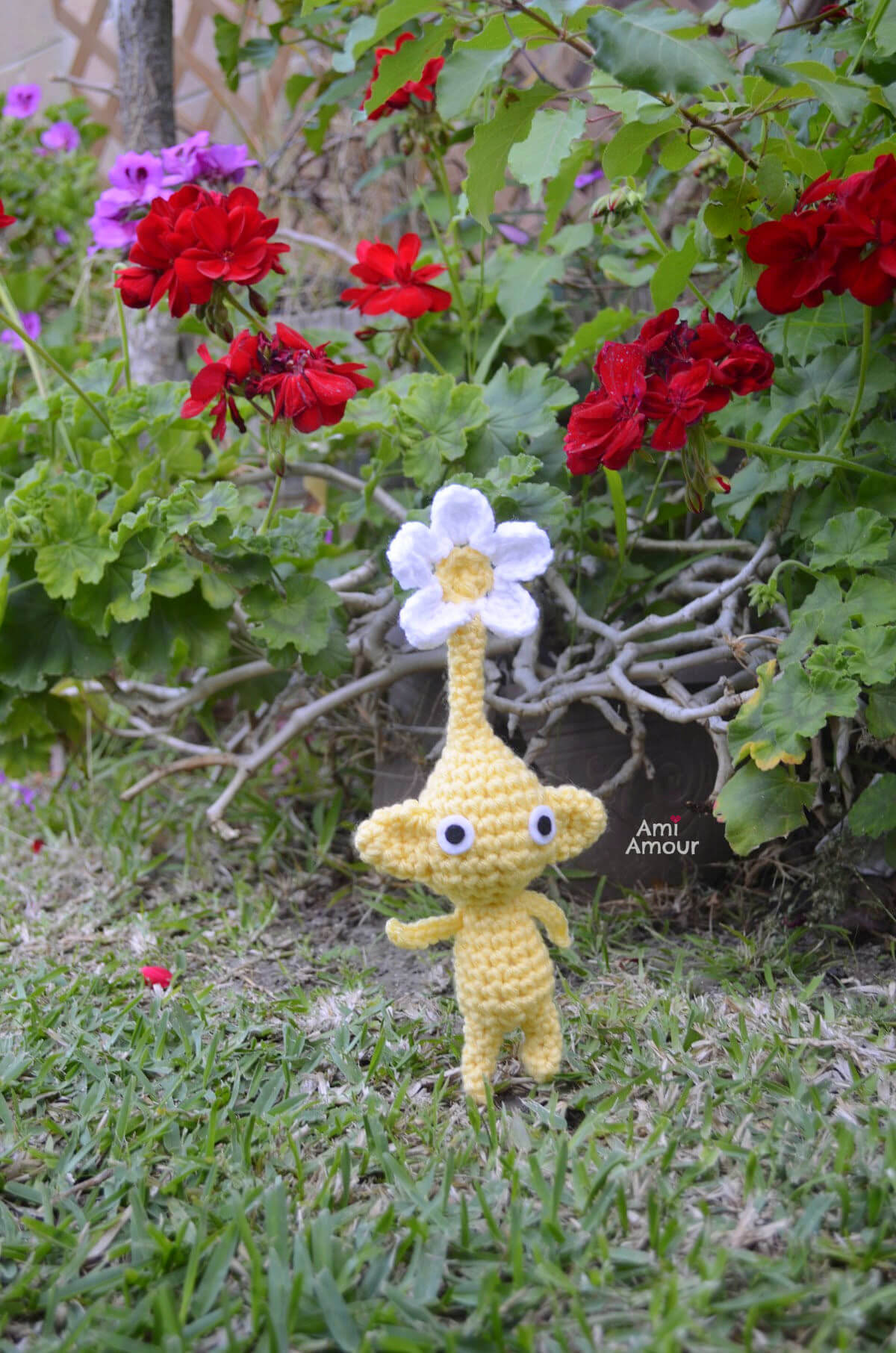 Yellow Pikmin in Nature