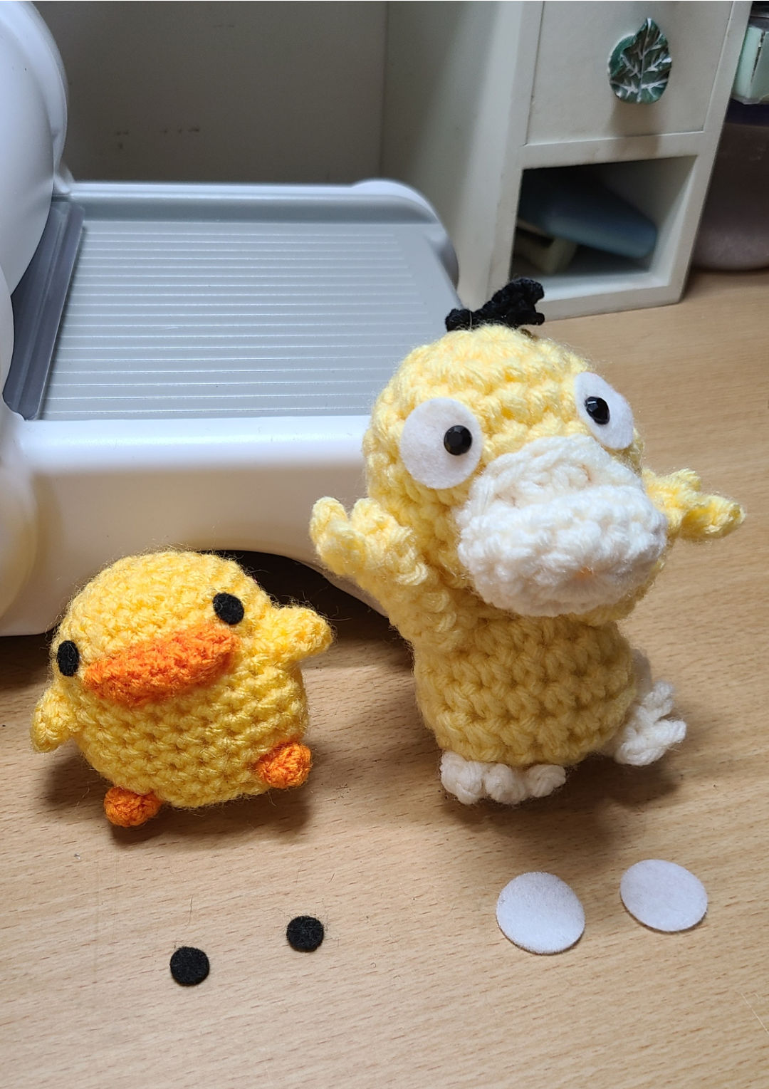 Cut Felt Circles for Duck Dolls